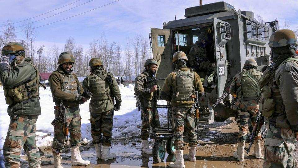 Pregnant woman stuck in snow delivers twins after Army helps her to hospital in Kashmir