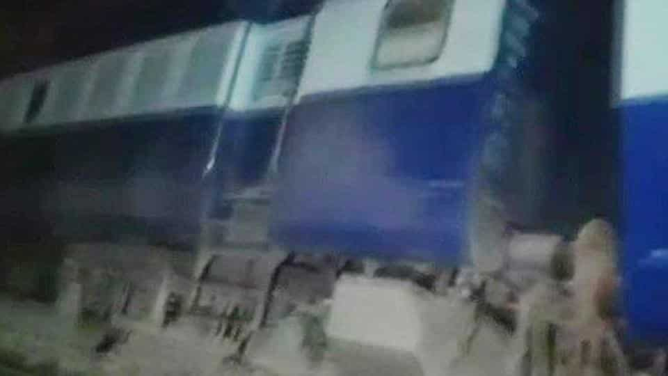9 coaches of Seemanchal Express derail in Bihar's Vaishali, 6 dead